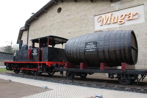 Inaugurado un monumento homenaje al ferrocarril en Haro