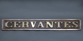 """Pieza destacada: placa de denominación de la locomotora de vapor """"Cervantes"""""""
