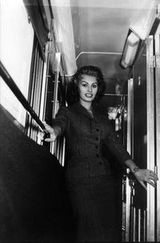 Fotos del Archivo Histórico Ferroviario para la nueva revista Club+Renfe